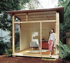Modern Backyard Shed / 12 Cool Wood Projects