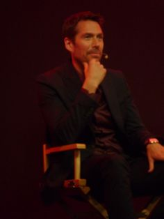A picture of Alexis Denisof I took at in a Much Ado About Nothing Q and A at Regent Street, London. Alexis Denisof, Joss Whedon, Buffy The Vampire Slayer, Pretty People, Character Inspiration, Tv Series, Angel, London, Street