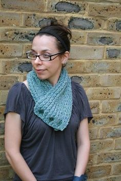 Loom Knitting Stitches | Scarf knitted on long loom