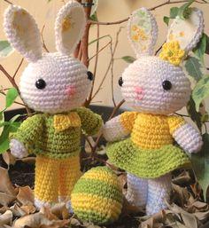 Crafteando, que es gerundio: Patrón: Conejitos de Pascua // Pattern: Easter bunnies Amigurumi