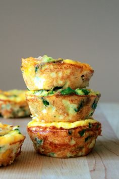 Mini Frittata 6 large eggs 1/3 cup heavy cream 3 slices of deli meat roughly chopped handful spinach,chopped 1/4 cup frozen corn 1/3 cup shredded cheese(your choice) salt and pepper Grease muffin tin. Mix eggs & cream. Add remaining ingredients  Spoon batter into muffin tin, about 3/4 full. Bake @ 350 18 to 20 minutes. Let cool. Run knife around the edges to release. Can be frozen up to a month. Reheat in microwave
