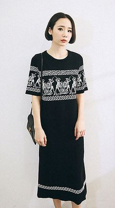 Fashiontroy Smart elegant mid sleeves crew neck black soldiers two-tone midi knitted dress