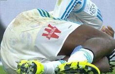 Batshuayi golea con unos calzoncillos de Bob Esponja - Batshuayi fue uno de los artífices del contundente triunfo del OM ante el Troyes (6-0), al marcar el tercer y el sexto tanto de su equipo justo en el...