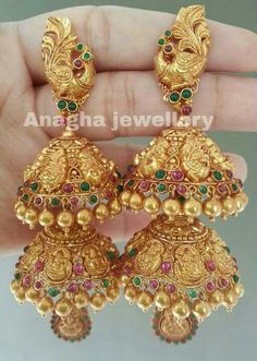 Top 7 Kundan and Antique jhumkas Jhumka Designs, Gold Earrings Designs, Indian Jewellery Design, Jewelry Design, India Jewelry, Jewellery Uk, Gold Jewelry, Saree Jewellery, Jewelry Sets