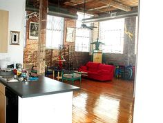 Loved this loft we lived in when we first moved to Atlanta.  I had plenty of room for my mannequins and artsy furniture