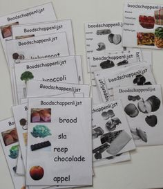 Maken van boodschappenlijstjes, uit folders en ander reclame materiaal Deze kunnen gebruikt worden bij het spel of bij spelletjes in de kring. Oefenen van het auditief geheugen. Lees op wat de kinderen moeten halen en dan mogen ze de opdracht gaan uitvoeren.