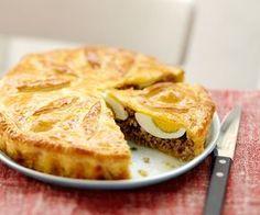 Le chef Cyril Lignac vous propose une recette rapide pour faire du pâté de Pâques. C'est gourmand et croquant, vous allez vous régaler.