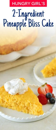Pineapple Cake Recipe Make an entire cake with only 2 ingredients! BONUS: Only 150 calories per slice!Make an entire cake with only 2 ingredients! BONUS: Only 150 calories per slice! Low Calorie Desserts, Ww Desserts, Low Calorie Recipes, Dessert Recipes, Dessert Ideas, Cake Ideas, 2 Ingredient Cakes, 2 Ingredient Recipes, Cake Mix Recipes