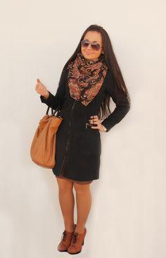 Уличный стиль пальто с платком