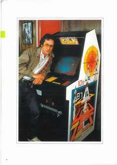 Watch an Arcades in Movies supercut and see young Steven Spielberg arcade games collection photos from the early Gremlins, Jurassic World, Flipper, Pc Android, Nerd, Classic Video Games, Ready Player One, Steven Spielberg, Fantastic Beasts