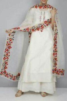 13 Ultra Cool Dupatta Design Ideas To Try Now Pakistani Fashion Casual, Pakistani Dresses Casual, Pakistani Dress Design, Indian Fashion, Punjabi Fashion, Stylish Dress Designs, Designs For Dresses, Stylish Dresses, Dress Indian Style