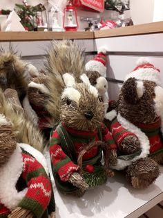 Burlap Wreath, Christmas Wreaths, Holiday Decor, Home Decor, Navidad, Christmas Swags, Homemade Home Decor, Holiday Burlap Wreath, Burlap Garland