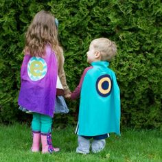 Make a personalized dress up cape for little guys AND little gals in your life.  Includes link to tutorial.