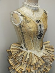 """alice-smalley: """" Inventive costume project - created for Anne Boleyn. Mannequin Art, Dress Form Mannequin, Vintage Mannequin, Fashion Mannequin, Paper Fashion, Fashion Art, Paper Clothes, Paper Dresses, Recycled Dress"""