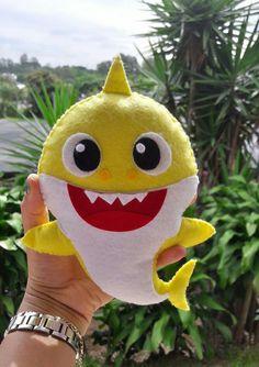 Hecho a mano cr - Shark Costumes, Boy Costumes, Costume Ideas, Unicorn Birthday Parties, Unicorn Party, Baby Birthday, Shark Stuffed Animal, Baby Shark Doo Doo, Cheap Party Decorations