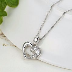 Item Type: NecklaceChain Type: Link ChainShape\pattern: HeartNecklace Type: Chains NecklacesPendant Size: 1.7cm*1.4cmMaterial: 100% 925 Sterling Silver