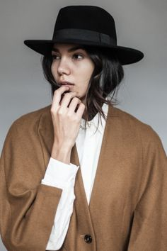 Improve Your Look With This Great Fashion Advice – Fashion Trends Fashion Beauty, Womens Fashion, Fashion Trends, Net Fashion, Fashion 2020, Fashion Ideas, Fashion Outfits, Outfits With Hats, High End Fashion