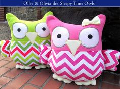 These Sleepy Time Stuffed Owls are a free project available from Sew4Home.  They're made from fleece so they're soft for snuggling.  And those big owl eyes and little wings are so cute!…