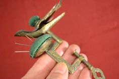 Antique 19th Century bird HEMMING CLAMP PIN CUSHION SEWING NEEDLE THREAD 1853 PD