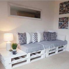 Pallet Wood Utilizing Ideas For A Wonderful Home – DIY Motivations – Paletten Ideen Diy Furniture Couch, Diy Pallet Furniture, Home Decor Furniture, Furniture Projects, Furniture Makeover, Diy Home Decor, Furniture Design, Furniture Storage, Diy Projects