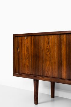 Hans Wegner sideboard model RY-26 at Studio Schalling