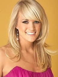 Carrie Underwood is like Daisy because they are both very weathly and a lot of guys like her also she is very beautiful.