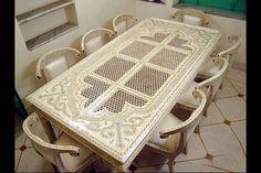 Incrustación de hueso madera pintada mesa de comedor con 8 sillas  tamaño - 8 pies x 4 pies x 30 pulgadas