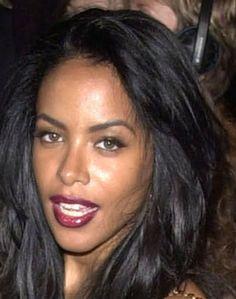 """yungshorty: """"~🌸💸ベビーギャル🌸💸~ """" Aaliyah Singer, Rip Aaliyah, Aaliyah Style, Black Celebrities, Celebs, Aaliyah Pictures, Aaliyah Haughton, Toni Braxton, Hip Hop"""