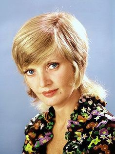 Florence Henderson, Robert Reed, Tv Moms, Stylish Older Women, Edie Campbell, The Brady Bunch, Melrose Place, Girl Meets World, Boy Meets