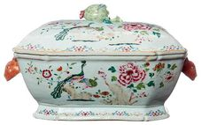 A CHINESE EXPORT LIDDED TUREEN