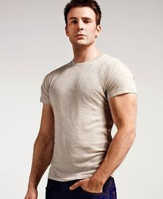Chris Evans, probably the prettiest pretty boy I like, but I can't help it.