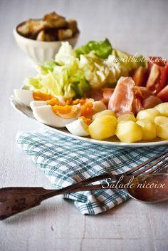 Mon petit bistro: Salad Nicoise with salmon