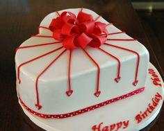Heart Valentine's Day Cake www.1gateau.com #Valentine'sDayCake #heartcake
