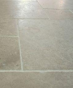 Grey seaton limestone -  tumbled flagstones chambolle