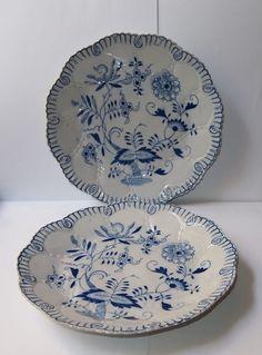 Online veilinghuis Catawiki: Louis Regout (1861 - 1915) - twee porseleinen borden