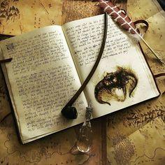 @Regrann from @losnekos - #thehobbit #indymagnoli #middleearth #lordoftherings #lotr #theredbookofwestmarch #lotrprops #Regrann