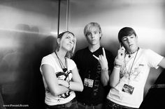 rikerr5 : Here's a picture from the San Diego Indie Fest this year. The photographer found us in the elevator and took our picture ha. It was 6 months ago so we look a bit younger.