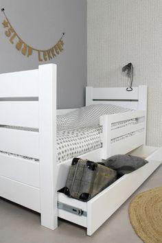 PEUTERBED MILLY & MO 70x150 TOTAALPAKKET (in wit + lattenbodem + speelgoed opberglade + matras + uitvalbescherming )