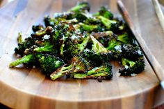 Parmesan Roasted broccoli is my family's favorite veggie side. All you need is 5 ingredients and 20 minutes. My favorite roasted broccoli recipe ever. Yummy Vegetable Recipes, Vegetarian Recipes, Cooking Recipes, Healthy Recipes, Yummy Veggie, Cheese Recipes, Roasted Broccoli Recipe, Broccoli Recipes, Parmesan Broccoli