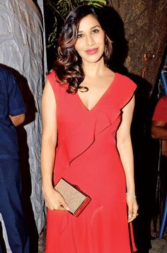 Sophie Choudry celebrated her birthday with friends from B-Town. #Bollywood #Fashion #Style #Beauty #Hot #Sexy