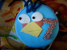 Angry bird cake Angry Birds Cake, Bird Cakes, Desserts, Food, Tailgate Desserts, Meal, Dessert, Eten, Meals