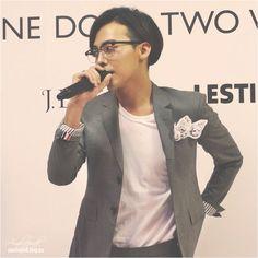 G-Dragon at the J. Estina 2014 F/W Brand Presentation event held on September 3 at the Namsan State Tower in Seoul. Brand Presentation, Gd Bigbang, Dragon Birthday, Ji Yong, Stage Name, G Dragon, Seoul, Bangs, Rapper