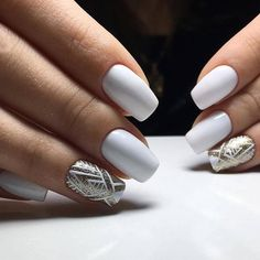On average, the finger nails grow from 3 to millimeters per month. If it is difficult to change their growth rate, however, it is possible to cheat on their appearance and length through false nails. Nail Shapes Square, Square Nails, Acrylic Nail Shapes, Acrylic Nails, Coffin Nails, Fun Nails, Pretty Nails, Art Deco Nails, Nagel Gel