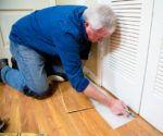 How to Repair Water-Damaged Laminate Flooring Todays Homeowner Plank Flooring, Laminate Flooring, Kitchen Flooring, Hardwood Floors, Laminate Floor Repair, Home Network, Water Damage, Floor Design, Home Repair