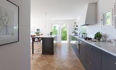 Vårt nya kök är klart och det har blivit vår nya samlingsplats i huset.   Camilla Wänström bloggar om sitt nya kök på vardagsgladje.se