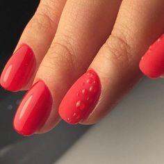 Красный маникюр на короткие ногти фото №24
