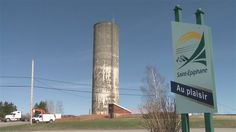 #Saint-Épiphane devra démolir son réservoir d'eau - ICI.Radio-Canada.ca: ICI.Radio-Canada.ca Saint-Épiphane devra démolir son réservoir…