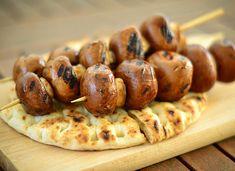 ΣΟΥΒΛΑΚΙ ΜΕ ΜΑΝΙΤΑΡΙΑ - Dietstories Hot Dogs, Sausage, Food And Drink, Foods, Vegan, Ethnic Recipes, Food Food, Food Items, Sausages