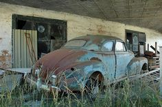 Kite, GA, Johnson County: Abandoned Filling Service Gas Petro Station Car Chevrolet Chevy Fleetmaster 1940s Blue Pictures Photo Copyright Brian Brown Vanishing South Georgia USA 2010