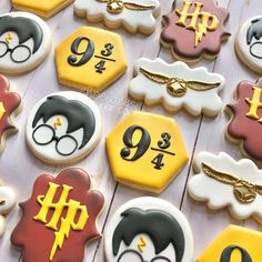 Gateau Harry Potter, Cumpleaños Harry Potter, Harry Potter Birthday Cake, Sugar Cookie Royal Icing, Sugar Cookies, Comida Disney, Harry Potter Baby Shower, Cookie Time, Cute Cookies